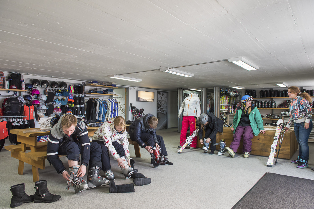 Verbier ski storage on the slopes at Ski Service Les Ruinttes