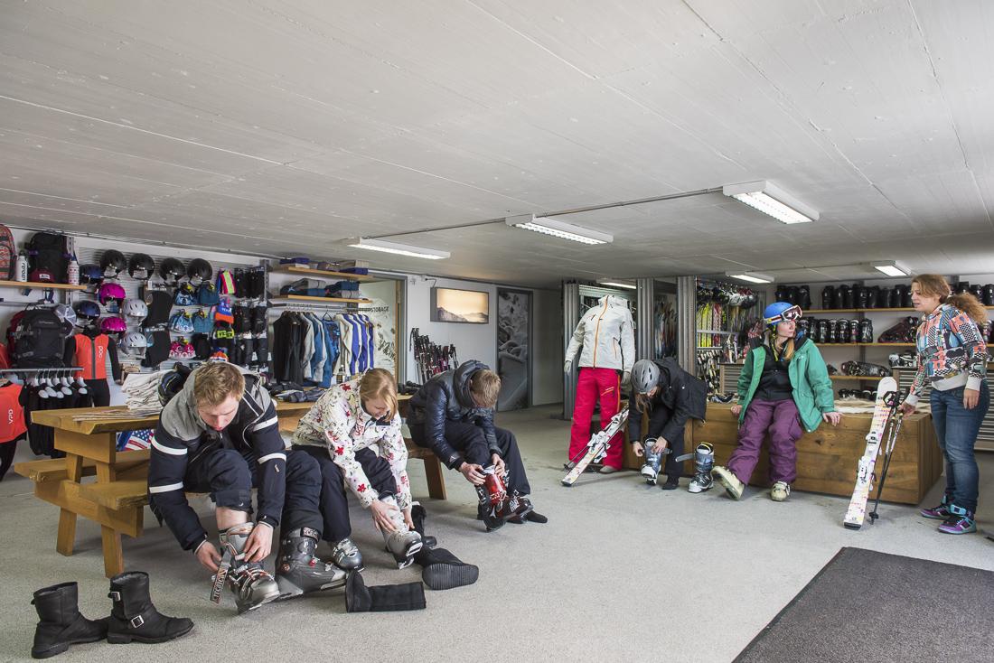 Verbier ski storage on the slopes at Ski Service Les Ruinttes