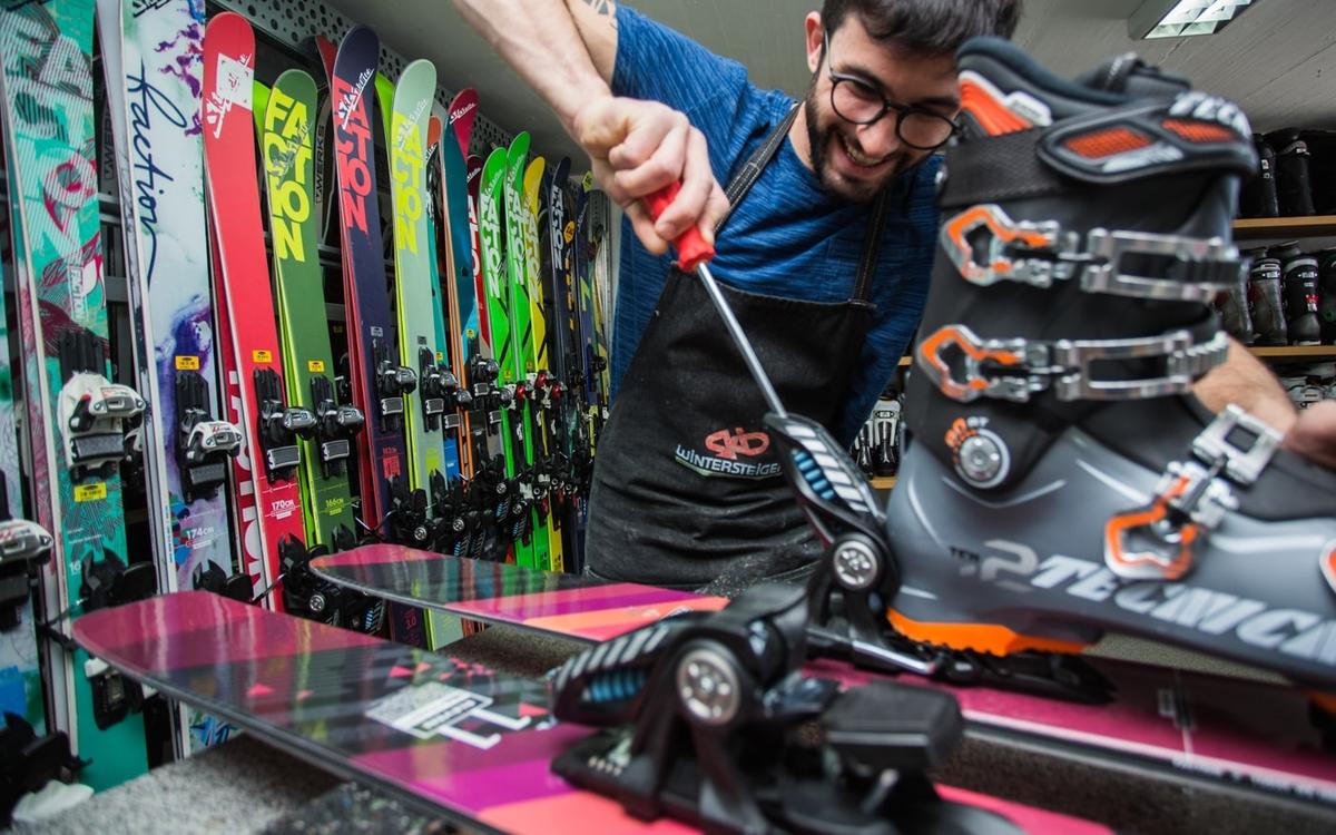 Verbier Ski Rental at Ski Service Les Ruinettes