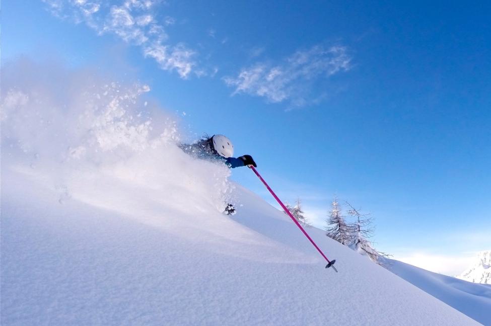 Nancy-Pellissier-Ski-Service-Verbier-team-the-taste-of-powder