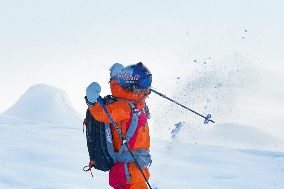 Rent-ski-clothing-at-ski-service-jackets-pants-gloves-beanies-and-goggles